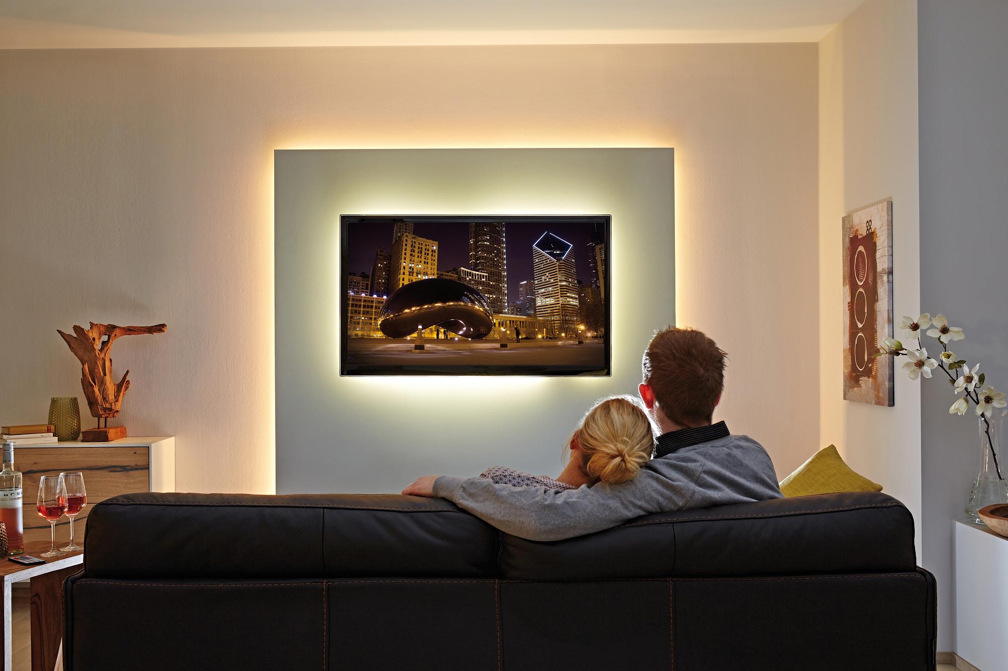 Full Size of Beleuchtung Wohnzimmer Spots Indirekte Wohnwand Led Selber Bauen Planen Mit Leiste Tipps Wohnrume Stripes Und Lichtleisten Von Paulmann Wohnzimmer Wohnzimmer Beleuchtung