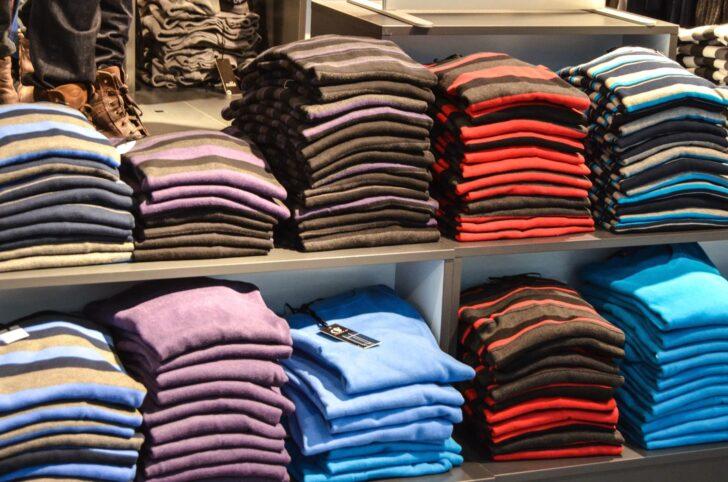 Medium Size of Kostenlose Bild Kleidung Regal Kaufen Bad Wandregal Naturholz Buche Teppich Für Küche Regale Keller Kanban Insektenschutz Fenster Tagesdecken Betten Hamburg Regal Regal Für Kleidung
