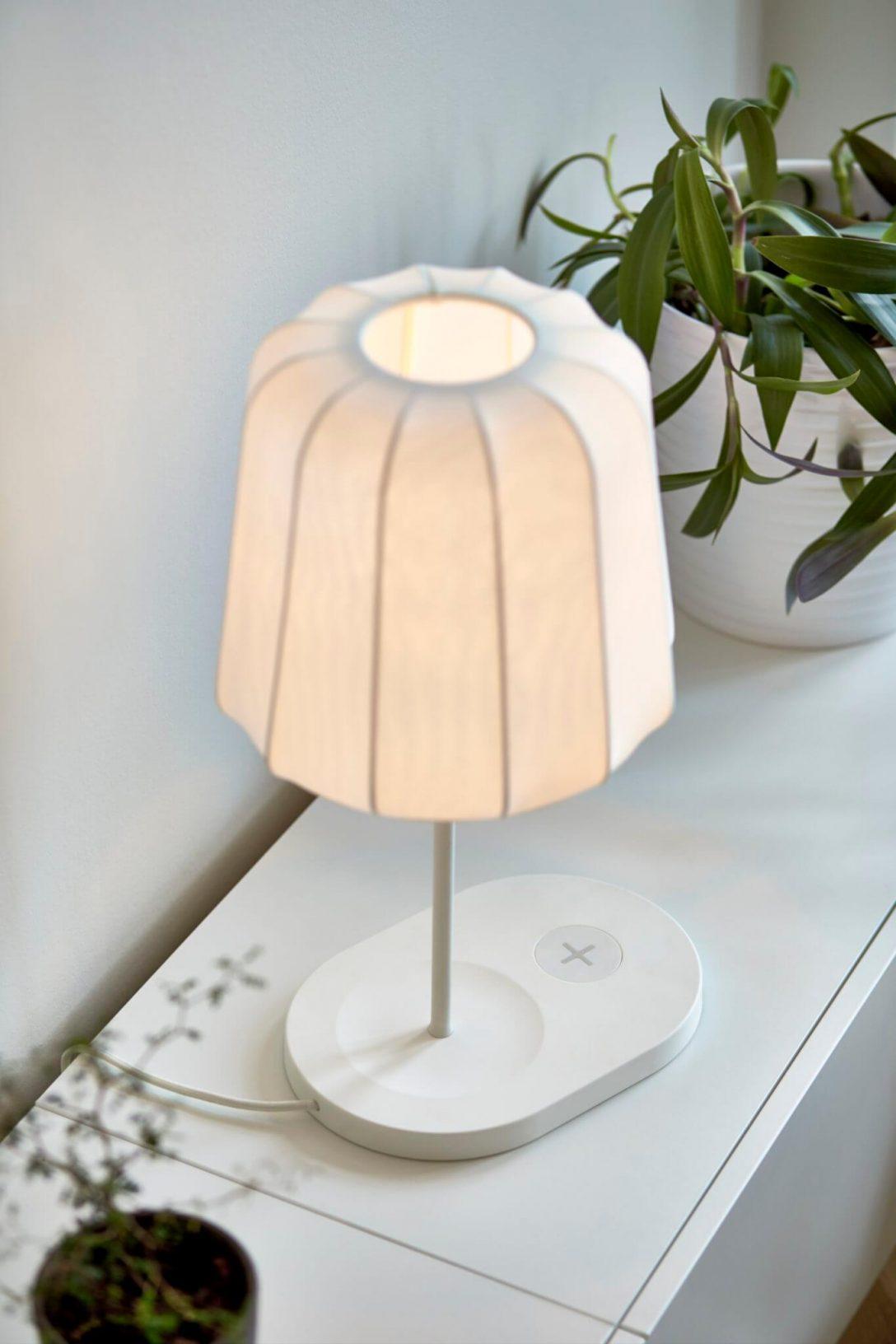 Large Size of Ikea Lampen Und Tische Mit Qi Ladegert Ab April Schlafzimmer Badezimmer Stehlampen Wohnzimmer Deckenlampen Für Modulküche Led Küche Kosten Esstisch Wohnzimmer Ikea Lampen