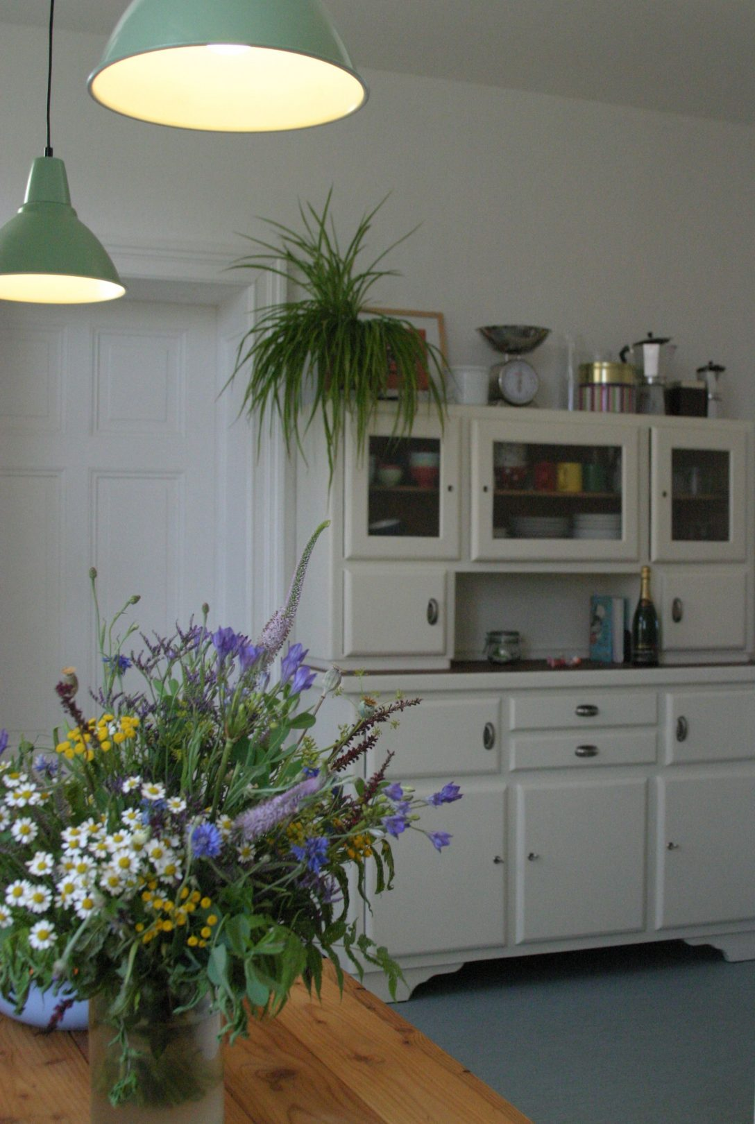 Large Size of Küchenanrichte Alte Kchenanrichte Aus Den 30ern Erstrahlt Wohnzimmer Küchenanrichte