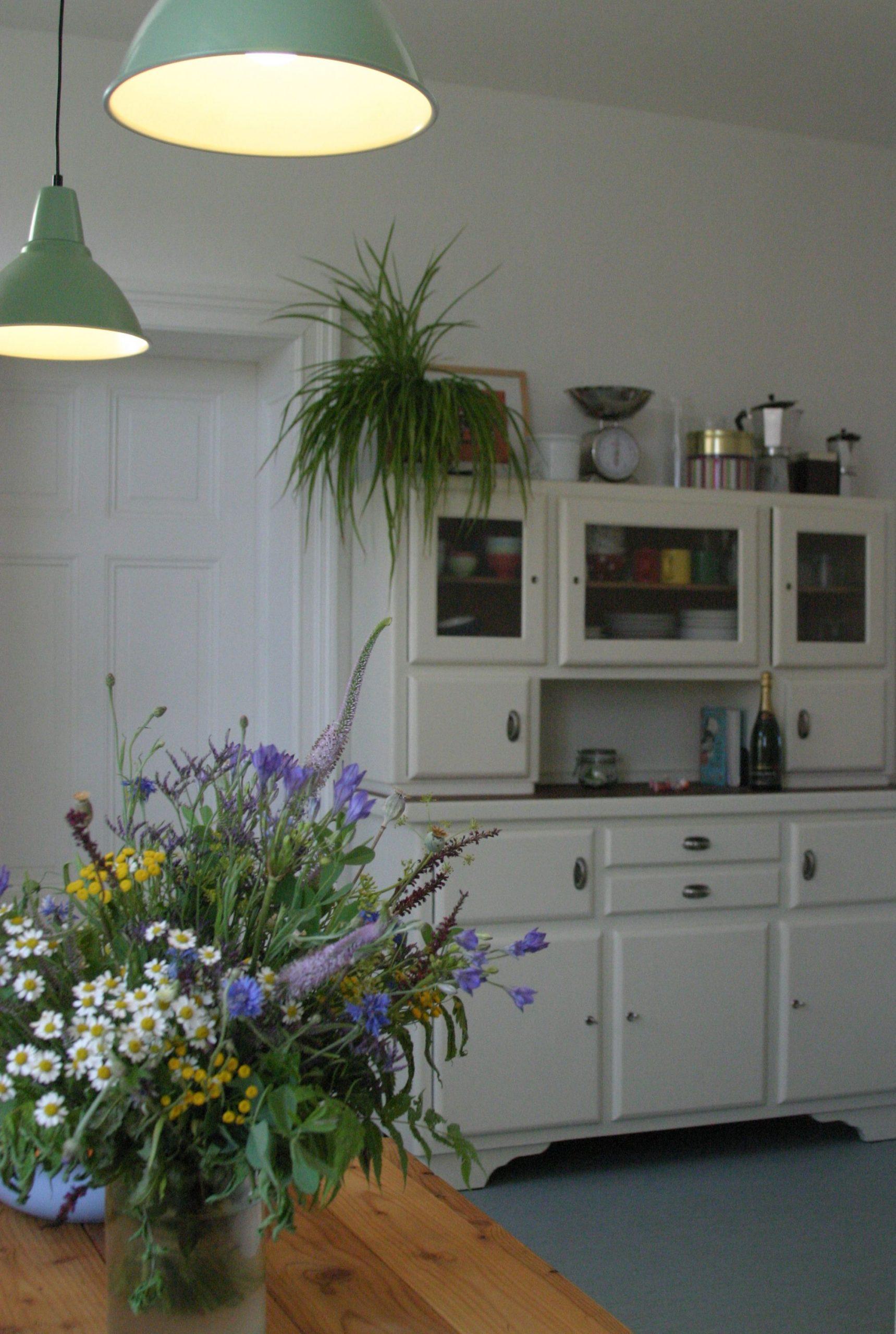 Full Size of Küchenanrichte Alte Kchenanrichte Aus Den 30ern Erstrahlt Wohnzimmer Küchenanrichte