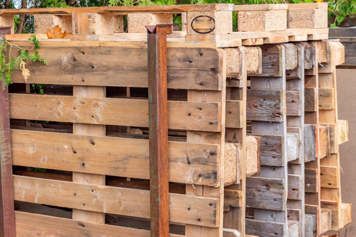 Full Size of Weinregal Selber Bauen Holz Wand Aus Holzkisten Holzbalken Machen Einfach Anleitung Holzpaletten Pinterest Rohre Paletten Hornbach Ziegelstein Holzstamm Ikea Wohnzimmer Weinregal Selber Bauen