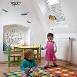 Verdunkelung Kinderzimmer Kinderzimmer Verdunkelung Kinderzimmer Rollos Und Plissees Mit Motiven Fenster Sofa Regal Weiß Regale
