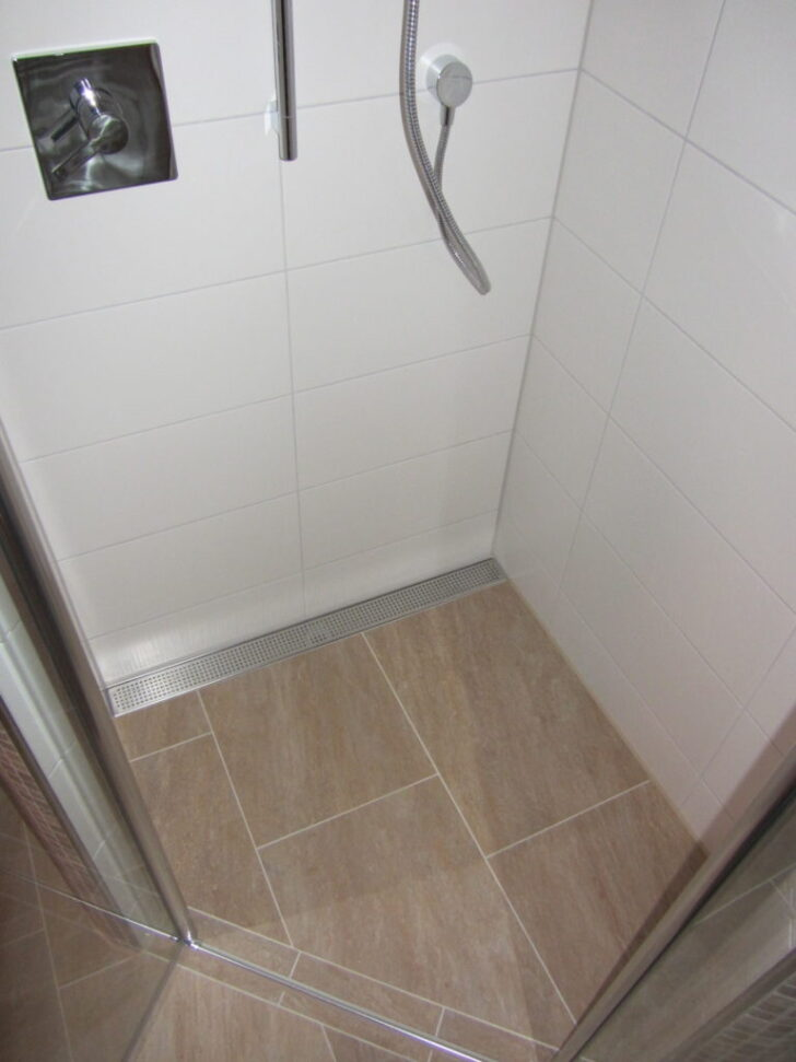 Medium Size of Begehbare Dusche Fliesen Bareth Badewanne Glastrennwand Moderne Duschen Rainshower Bodengleiche Einbauen Kleine Bäder Mit Kaufen Hsk Schulte Walkin Dusche Begehbare Dusche