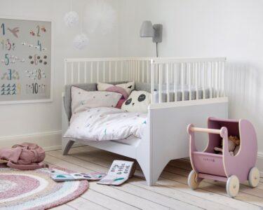 Kinderzimmer Einrichtung Kinderzimmer Kinderzimmer Einrichten Und Gestalten Scandinavian Lifestyle Magazin Regale Regal Weiß Sofa