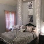 Schlafzimmer Dekorieren Wohnzimmer Minimalist Schlafzimmer Ideen Dekoration 49 Minimalistischen Set Mit Boxspringbett Deckenleuchten Deckenleuchte Wandlampe Vorhänge Schimmel Im Stuhl Kommode