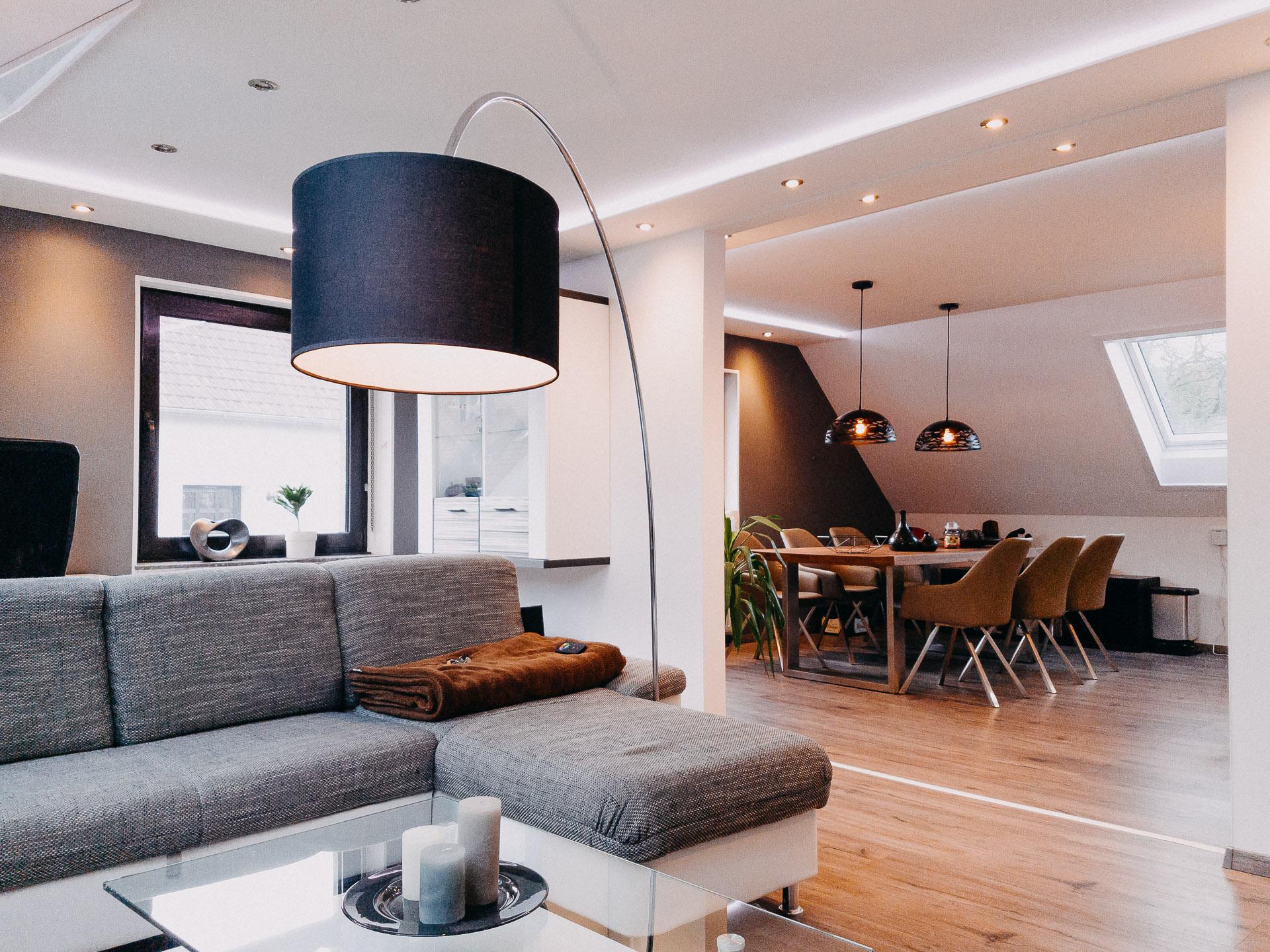 Full Size of Wohnzimmer Indirekte Beleuchtung Decke Led Selber Bauen Modern Stehlampen Bilder Fürs Deckenstrahler Wohnwand Deckenlampen Schrank Großes Bild Bad Wohnzimmer Wohnzimmer Indirekte Beleuchtung