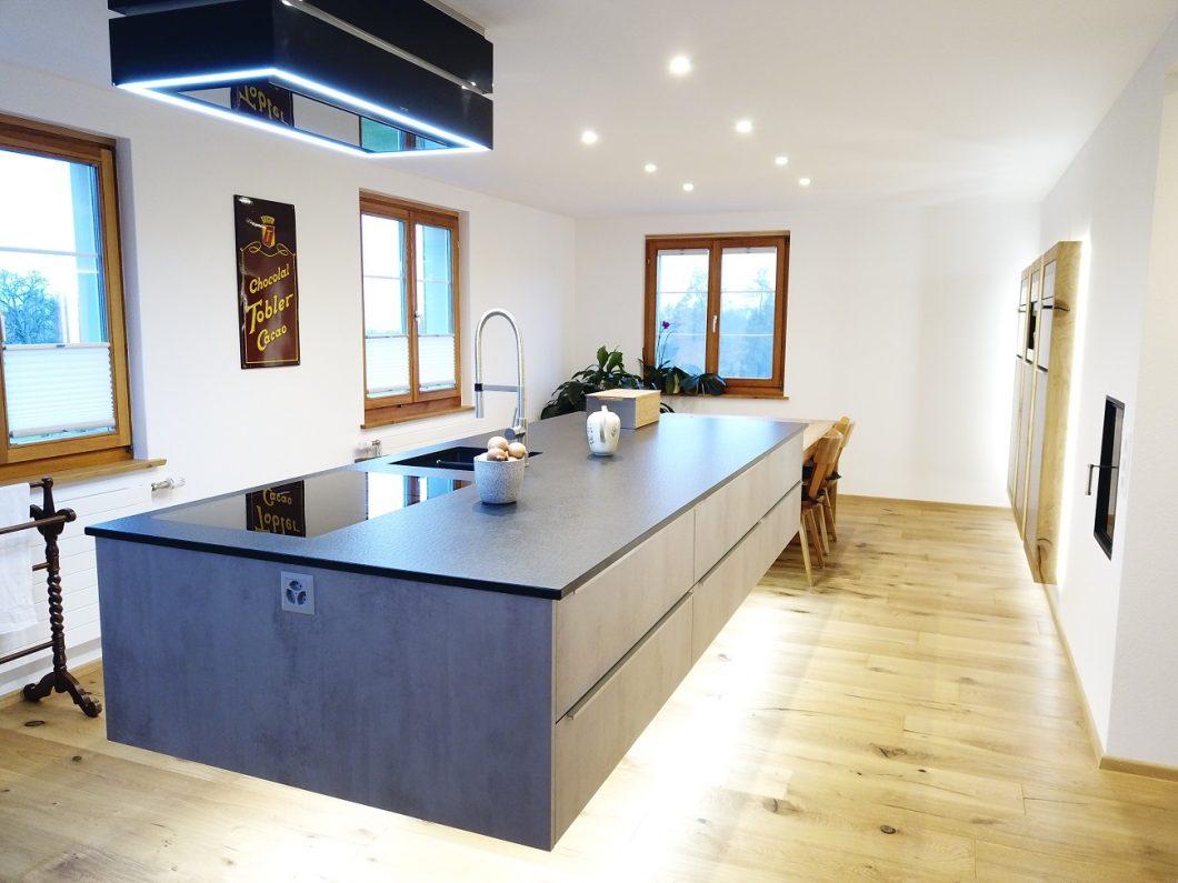 Full Size of Skywalk Kitchen Schwebende Kchenarchitektur Wohnzimmer Kücheninsel