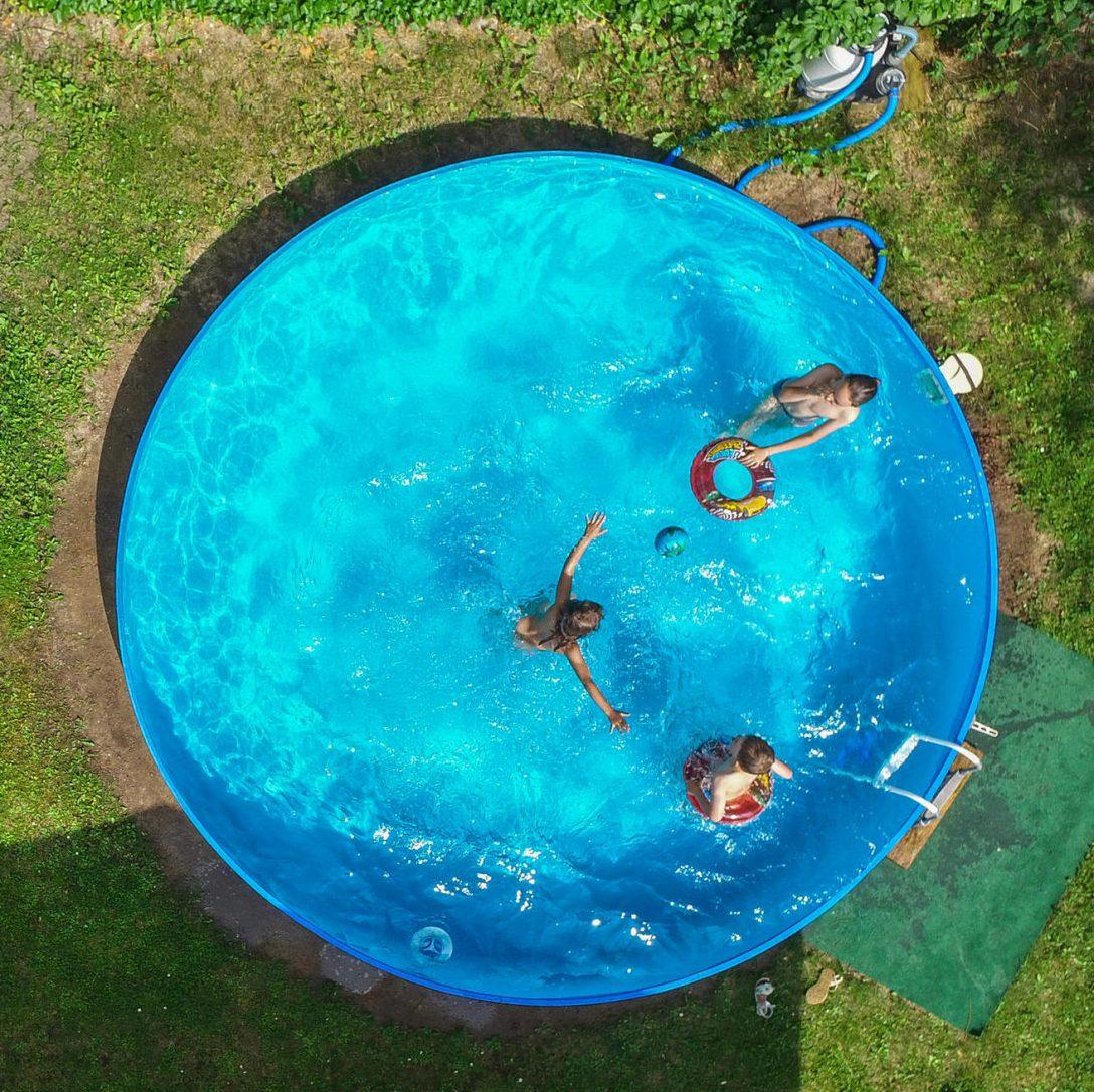 Large Size of Darf Man Einen Pool Im Garten Aufstellen Rechtslage Nrw Schweiz Bauen Kosten Kleiner Baugenehmigung Untergrund Ideen Badezimmer Beleuchtung Schlafzimmer Wohnzimmer Pool Im Garten