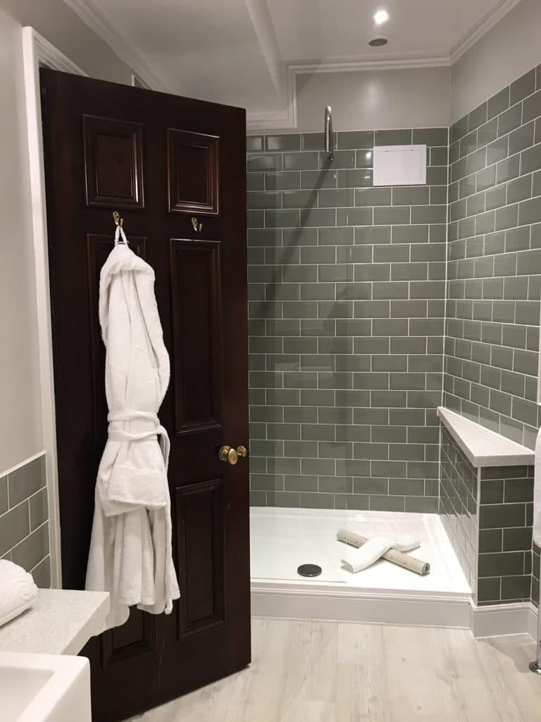 Full Size of Ebenerdige Dusche Kosten Fliesen Begehbare Kaufen Für Behindertengerechte Ebenerdig Grohe Fenster Erneuern Einbauen Unterputz Wand Dusche Ebenerdige Dusche Kosten