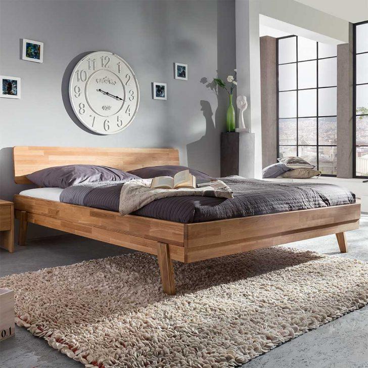 Medium Size of Betten Modern Holz Bett Design Kaufen Leader 180x200 140x200 120x200 Sleep Better Eiche Italienisches Puristisch Beyond Pillow Modernes Pravorias Aus Wildeiche Wohnzimmer Bett Modern
