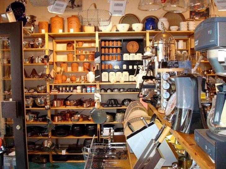 Medium Size of Einbauküche Weiss Hochglanz Sideboard Küche Bett Mit Schubladen 90x200 Weiß Tapete Modern Mobile Pantryküche Modulküche Ikea Blende Glaswand Wohnzimmer Küche Mit Bar