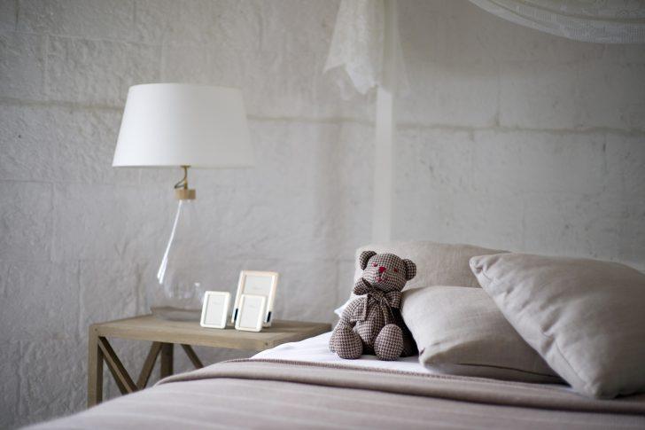 Medium Size of Schlafzimmer Gestalten Fr Studenten Einrichten Bettende Mit überbau Sessel Wandtattoos Weißes Massivholz Kommode Weiß Komplett Schimmel Im Wiemann Wohnzimmer Schlafzimmer Gestalten