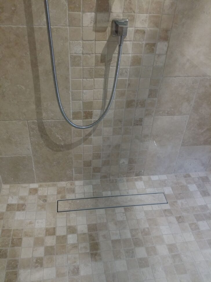 Medium Size of Ebenerdige Dusche Travertin Mosaik Fr Nischentür Anal Moderne Duschen Kosten Badewanne Mit Tür Und Wand Bluetooth Lautsprecher Glastür Kleine Bäder Dusche Ebenerdige Dusche