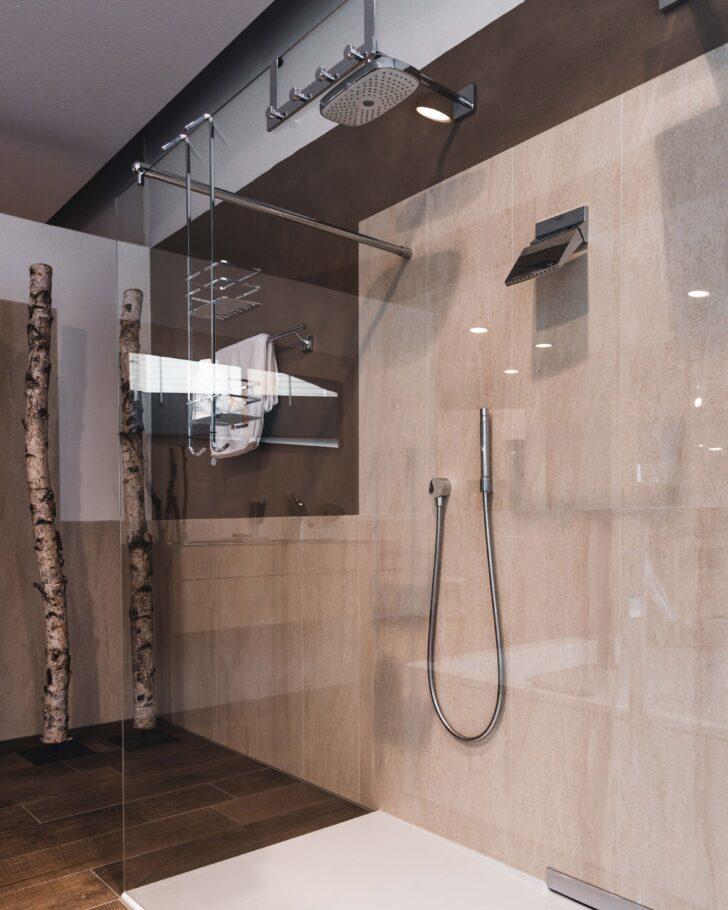 Medium Size of Begehbare Duschen Hüppe Dusche Fliesen Ohne Tür Bodengleiche Hsk Breuer Sprinz Kaufen Schulte Werksverkauf Moderne Dusche Begehbare Duschen
