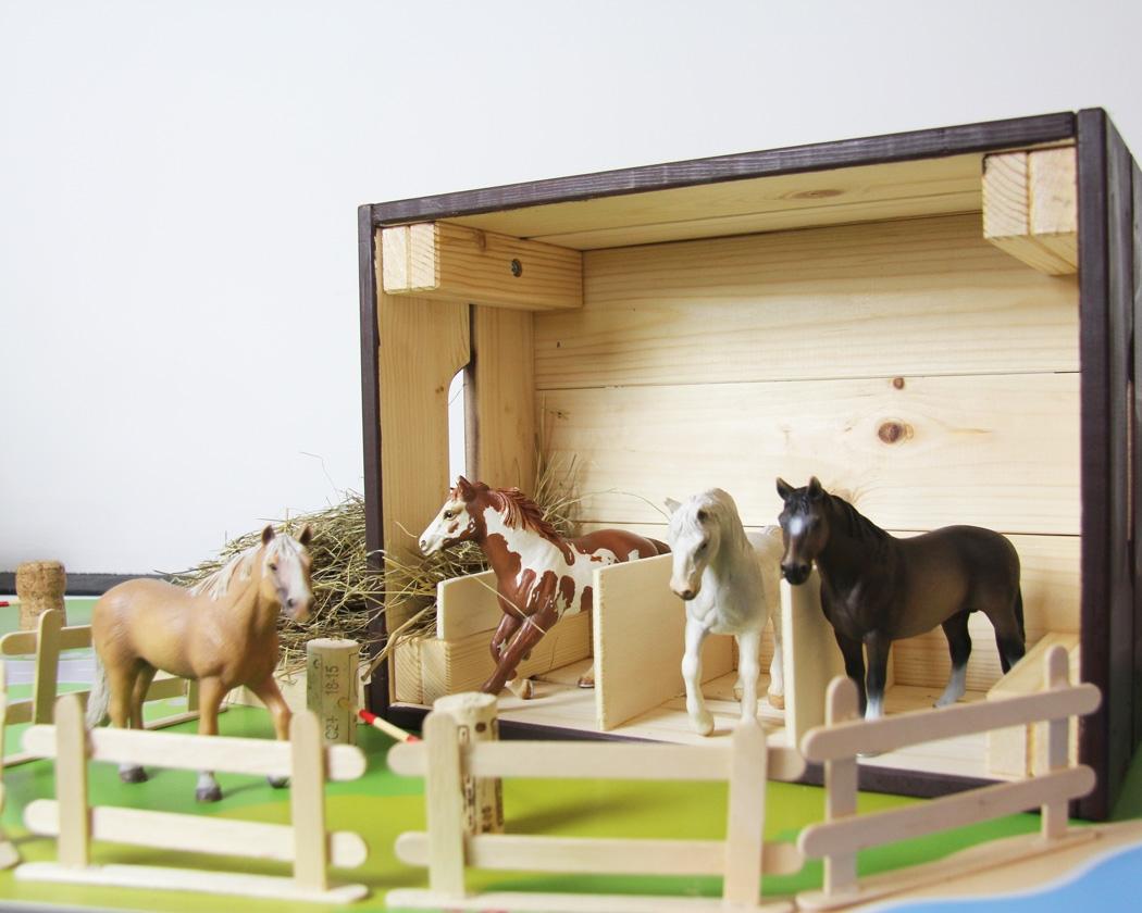 Full Size of Kinderzimmer Pferd Pferde Spielmbel Und Deko Fr Pferdefans Sofa Regal Regale Weiß Kinderzimmer Kinderzimmer Pferd