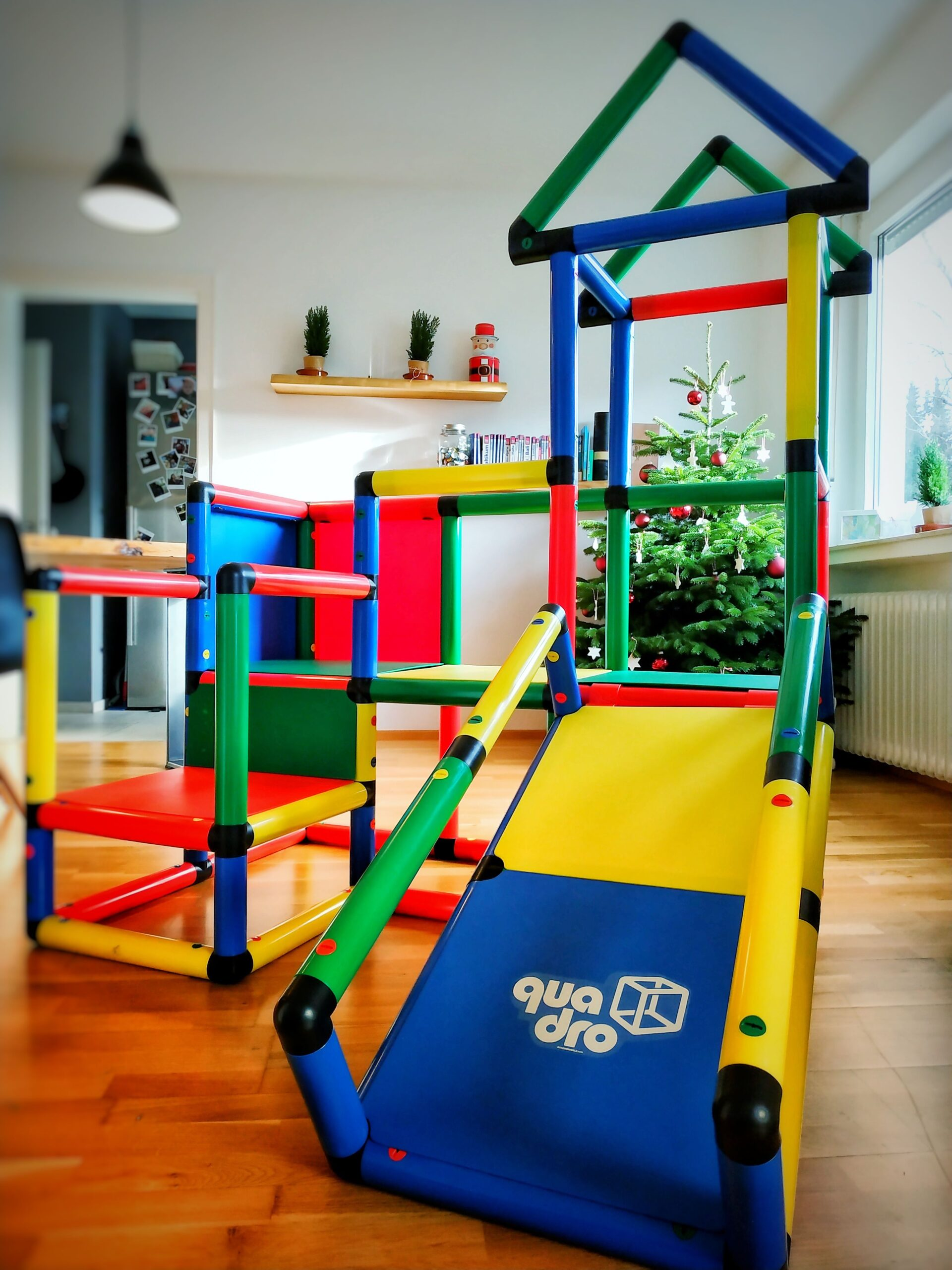 Full Size of Quadro Klettergerüst Klettergerst Regal Kinderzimmer Wei Sofa Garten Wohnzimmer Quadro Klettergerüst
