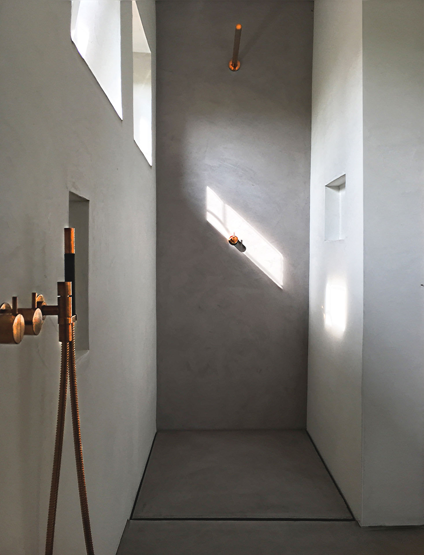 Full Size of Dusche Wand Beton Cire Design Raumkonzept Trier Lärmschutzwand Garten Nischentür Fliesen Für Küche Wandpaneel Glas Wandverkleidung Bett Bodengleiche Dusche Dusche Wand