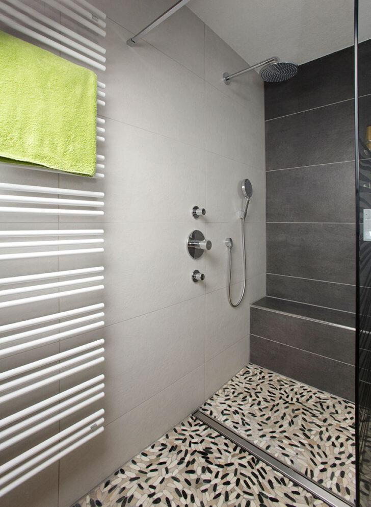 Medium Size of Begehbare Dusche Fliesendesign Erhardbegehbare Mit Sitzgelegenheit Behindertengerechte Fliesen Antirutschmatte Einhebelmischer Unterputz Armatur Raindance Dusche Begehbare Dusche