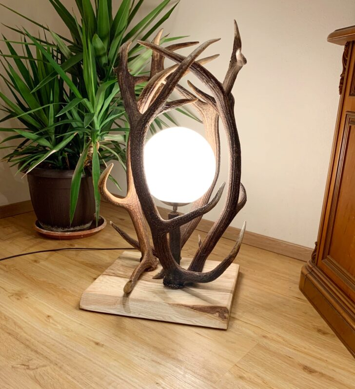 Medium Size of Stehlampe Modern Chalet Gefertigt Aus Geweih Und Eiche Oh My Deer Modernes Sofa Esstisch Moderne Deckenleuchte Wohnzimmer Bett 180x200 Schlafzimmer Bilder Wohnzimmer Stehlampe Modern