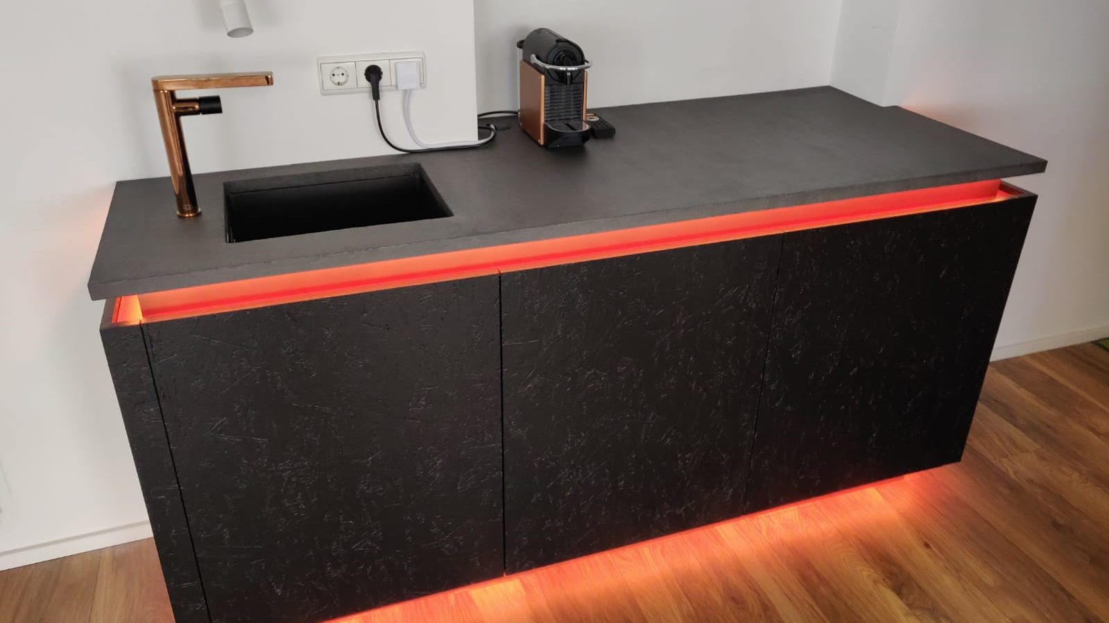 Full Size of Küche Diy Kreativ Beton Unique Wien Osb Kche Black Besserbauen Nolte Einbauküche Gebraucht Griffe Wasserhahn Wanduhr Einzelschränke Waschbecken Wohnzimmer Küche Diy
