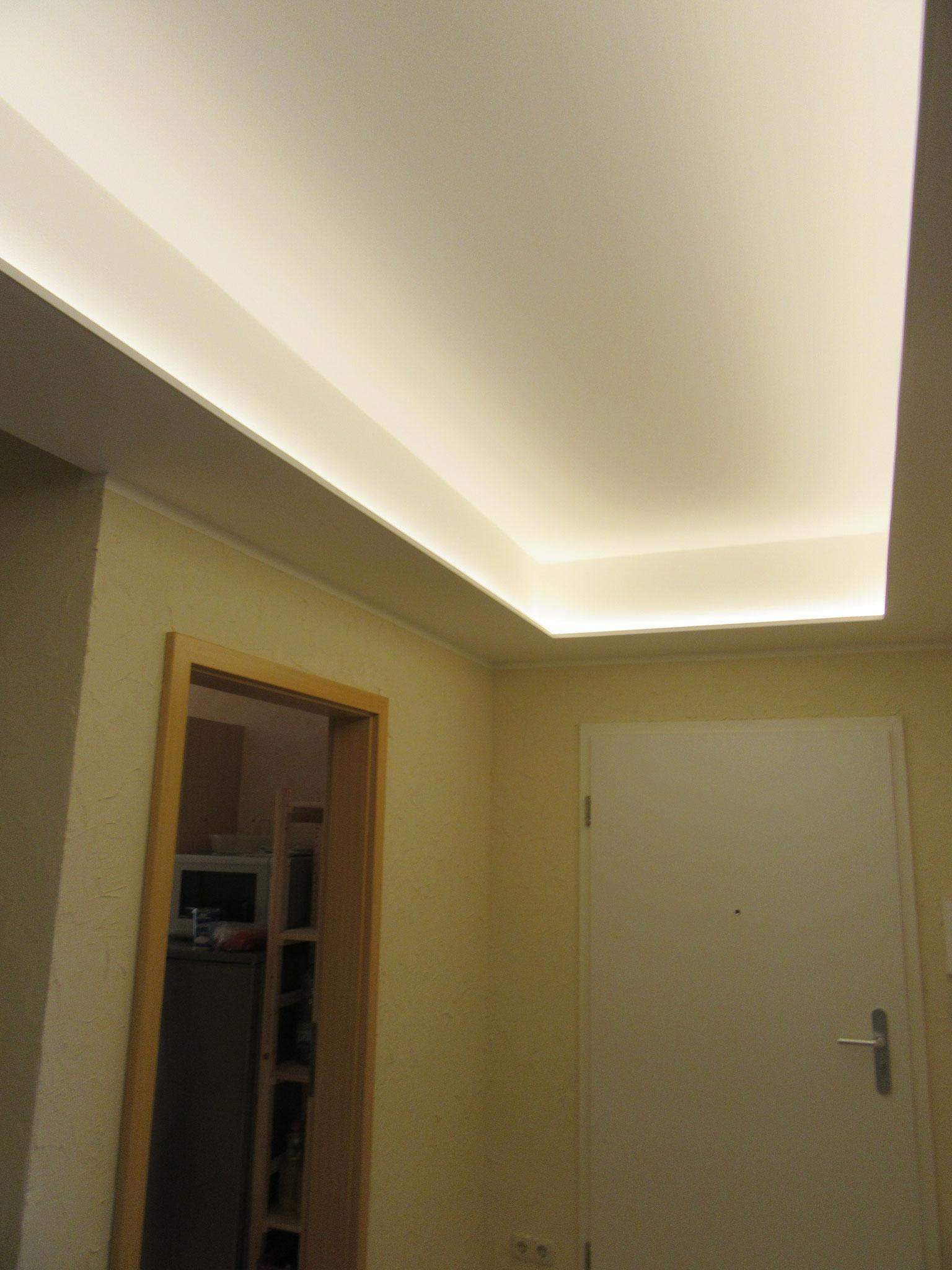 Full Size of Indirekte Beleuchtung Decke Schlafzimmer Deckenleuchte Wohnzimmer Deckenlampe Led Bad Moderne Küche Deckenlampen Modern Deckenleuchten Im Fenster Wohnzimmer Indirekte Beleuchtung Decke