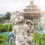 Skulptur Garten Nette Kleinen Verzieren Vor Brunnen Im Spielturm Bewässerung Lärmschutz Trennwand Klappstuhl Spielhaus Kunststoff Sauna Hochbeet Holzhäuser Wohnzimmer Skulptur Garten