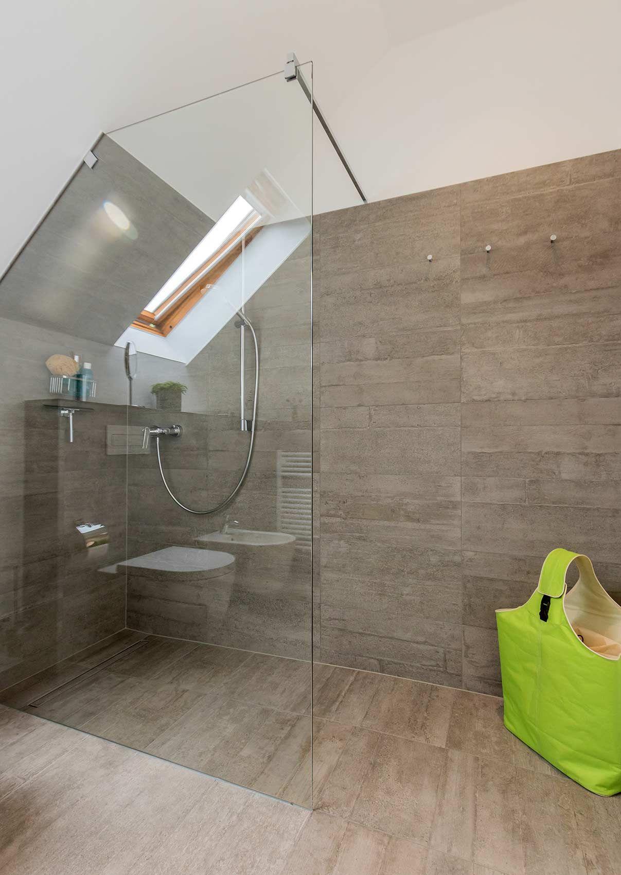Full Size of Badezimmer Dachschrge Grohe Thermostat Dusche Breuer Duschen Ebenerdig Begehbare Fliesen Bodengleiche Nachträglich Einbauen Hüppe Ohne Tür Sprinz Unterputz Dusche Begehbare Dusche