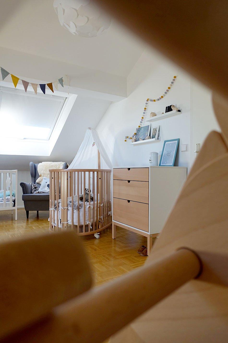 Full Size of Kinderzimmer Unterm Dach Tipps Fr Einrichtung Ekulele Regal Regale Sofa Weiß Kinderzimmer Kinderzimmer Einrichtung