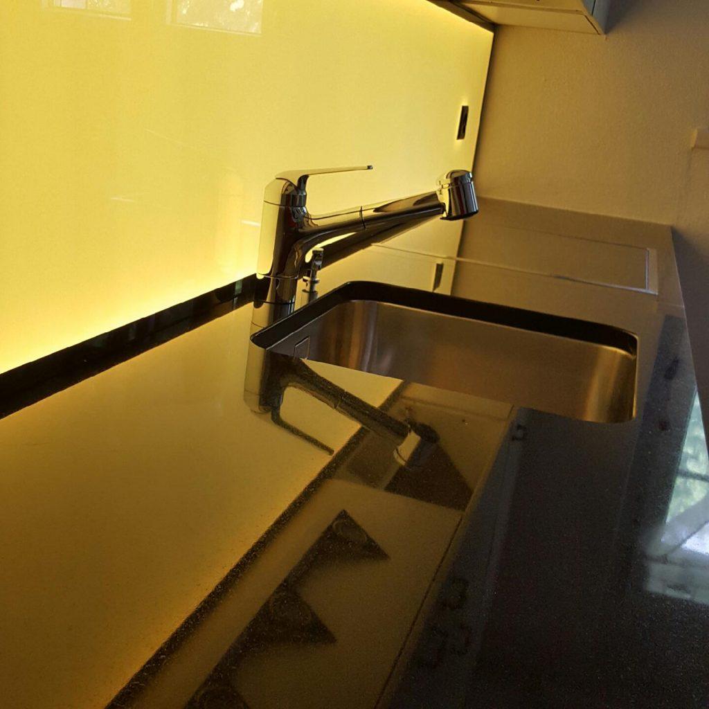 Full Size of Kchenwand Led Werkstatt Gmbh Wohnzimmer Küchenwand