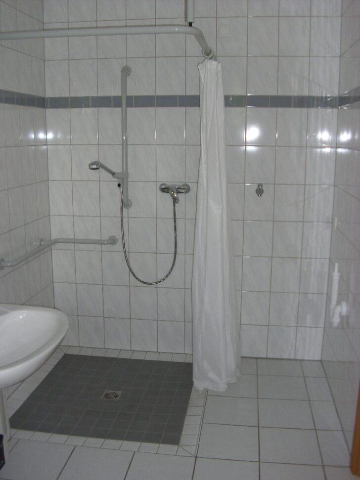 Medium Size of Ebenerdige Dusche Und Waschmaschinenanschluss Haus Lebensform Eckeinstieg Walkin Hsk Duschen Begehbare Hüppe Barrierefreie Ohne Tür Kaufen Anal Haltegriff Dusche Ebenerdige Dusche