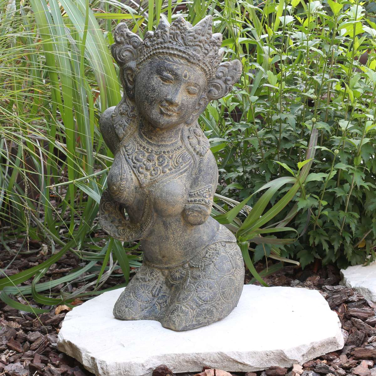 Full Size of Skulptur Garten Sita Figur Stein Gott Buddha Statue Lavasand Bali Relaxsessel Pavillon Jacuzzi Trennwand Skulpturen Feuerstelle Im Kugelleuchten Kinderschaukel Wohnzimmer Skulptur Garten