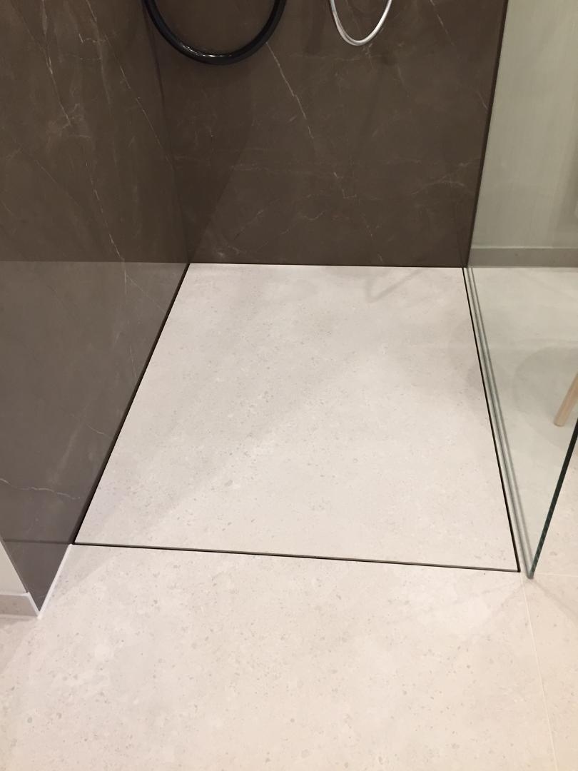Full Size of Bodengleiche Dusche Fliesen Geflieste Duschen Ohne Geflle Mit Groen Baqua Fliesenspiegel Küche Glas Behindertengerechte Einhebelmischer Ebenerdige Kosten Dusche Bodengleiche Dusche Fliesen