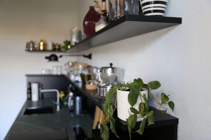 Medium Size of Regale Küche Kche Befestigung Nolte Dvd Blende Keller Mit Elektrogeräten Günstig Treteimer Amazon Kaufen Ikea Armaturen Selbst Zusammenstellen Wohnzimmer Regale Küche