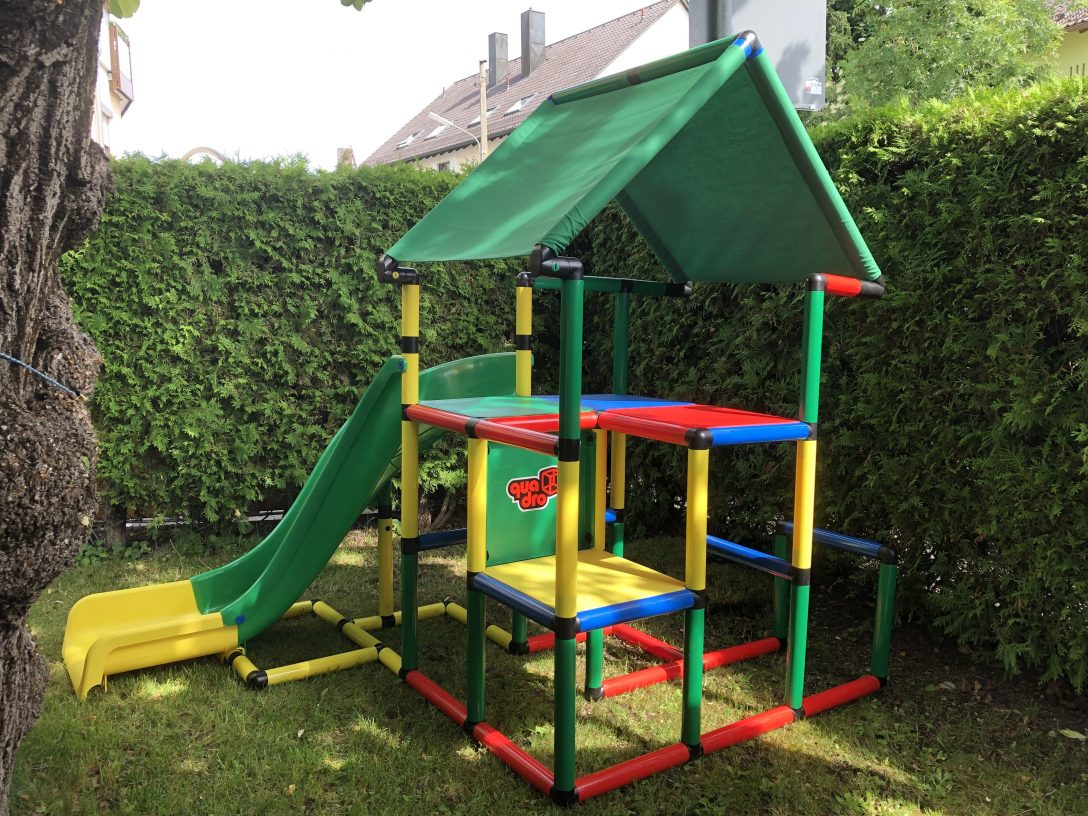 Large Size of Kleines Kind Und Groer Spa Unser Liebt Rutschen Sehr Mit Klettergerüst Garten Wohnzimmer Quadro Klettergerüst