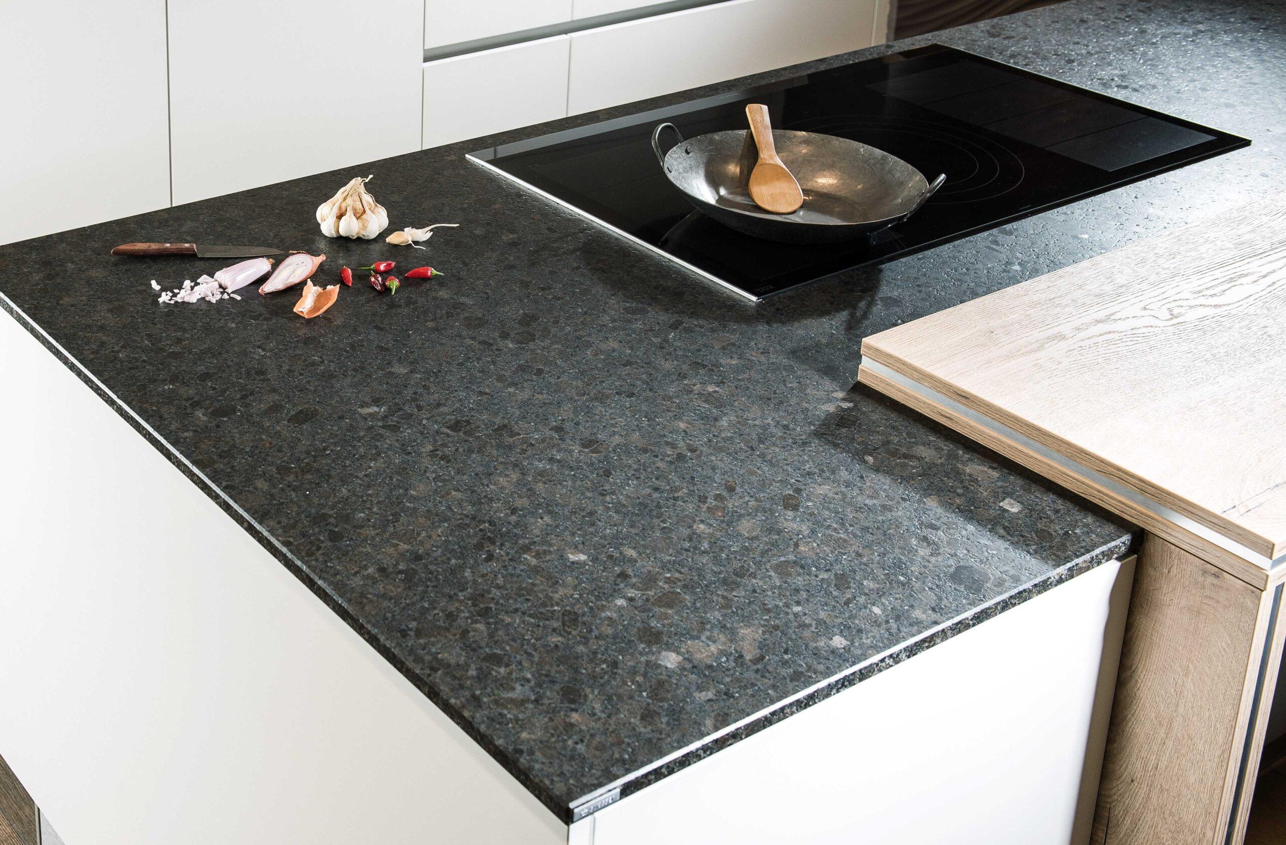Full Size of Aktion Granitarbeitsplatte Küche Sideboard Mit Arbeitsplatte Granitplatten Arbeitsplatten Wohnzimmer Granit Arbeitsplatte