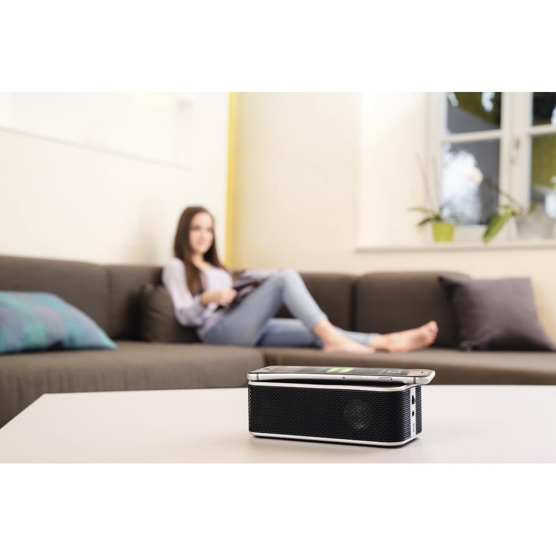 Full Size of Couch Mit Lautsprecher Sofa Poco Bluetooth Integriertem Eingebauten Lautsprechern Und Licht Led Musikboxen 00173160 Hama Qi Power Brick Eck Esstisch Baumkante Wohnzimmer Sofa Mit Musikboxen
