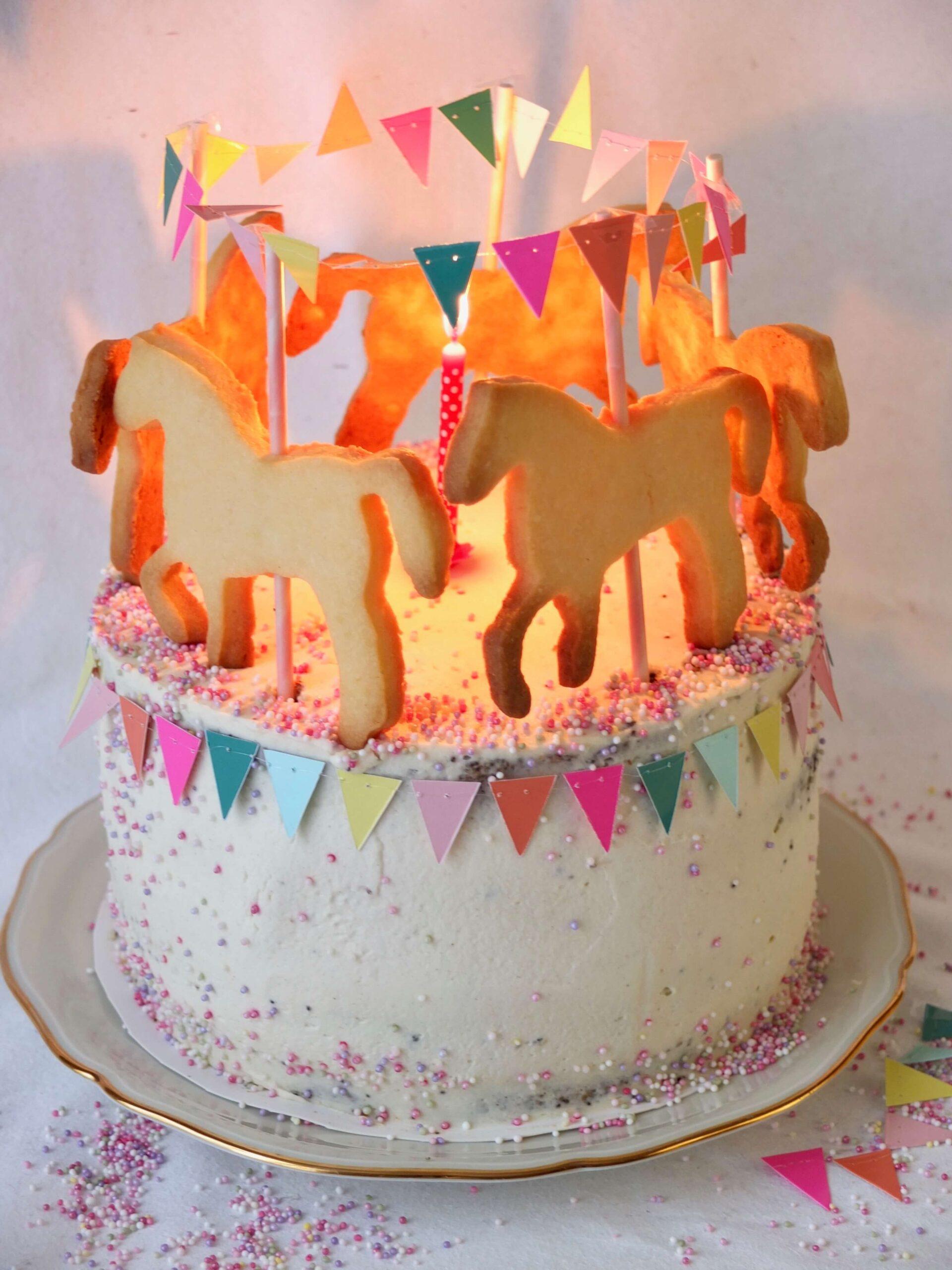Full Size of Küchenkarussell Karussell Torte Mit Pferdchen Saftige Mohntorte Pfirsich Wohnzimmer Küchenkarussell