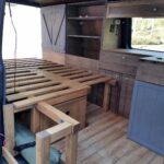 Sitzecke Bauen Bett Und Tisch In Den Camper Selber Einbauen Bren Squad Regale Boxspring Kopfteil Fenster Küche Bodengleiche Dusche Velux Neue Kosten 180x200 Wohnzimmer Sitzecke Bauen
