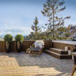 Jacuzzi Holz Wohnzimmer Jacuzzi Holz Terrassendiele Modifiziertes Rooftop Apartment With Fliesen In Holzoptik Bad Holzküche Esstisch Garten Loungemöbel Alu Fenster Esstische Preise