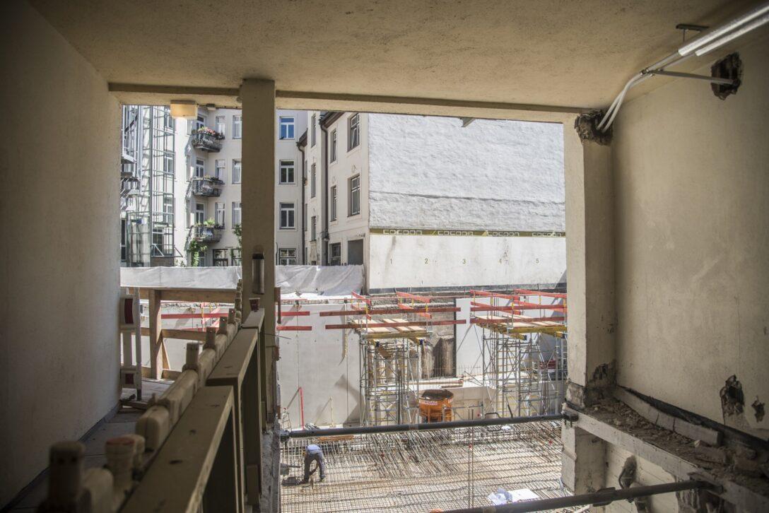 Large Size of Umbau Des Ersten Cohotels Baustelle Mit Tierischen Gsten Küchen Regal Wohnzimmer Cocoon Küchen