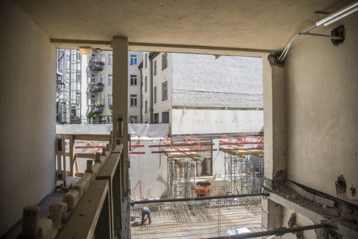 Medium Size of Umbau Des Ersten Cohotels Baustelle Mit Tierischen Gsten Küchen Regal Wohnzimmer Cocoon Küchen