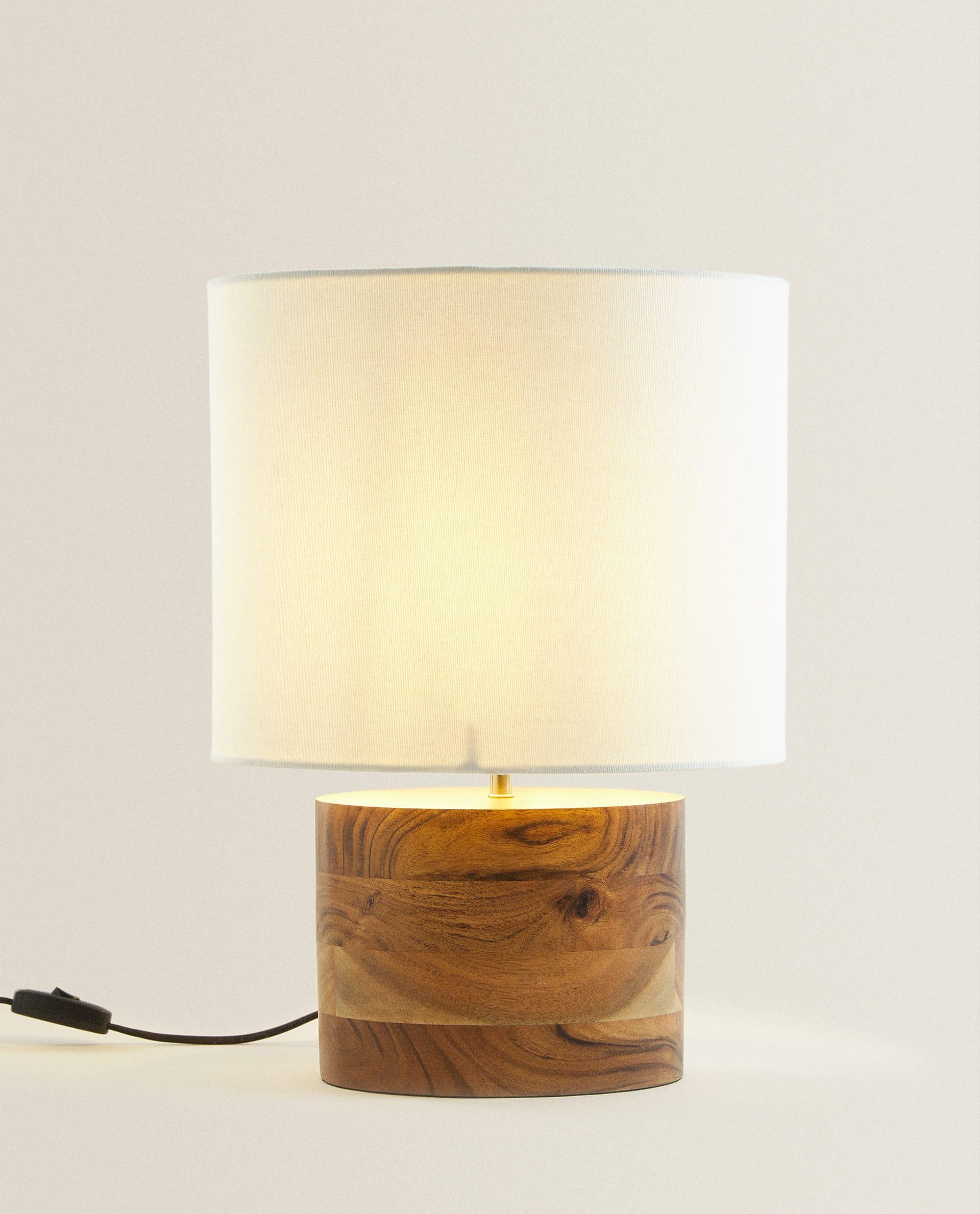 Full Size of Ikea Tischlampe Wohnzimmer Led Amazon Lampe Modern Designer Tischlampen Dimmbar Ebay Holz Timit Holzfuss Lampen Und Beleuchtung Relaxliege Wandtattoo Deko Wohnzimmer Wohnzimmer Tischlampe