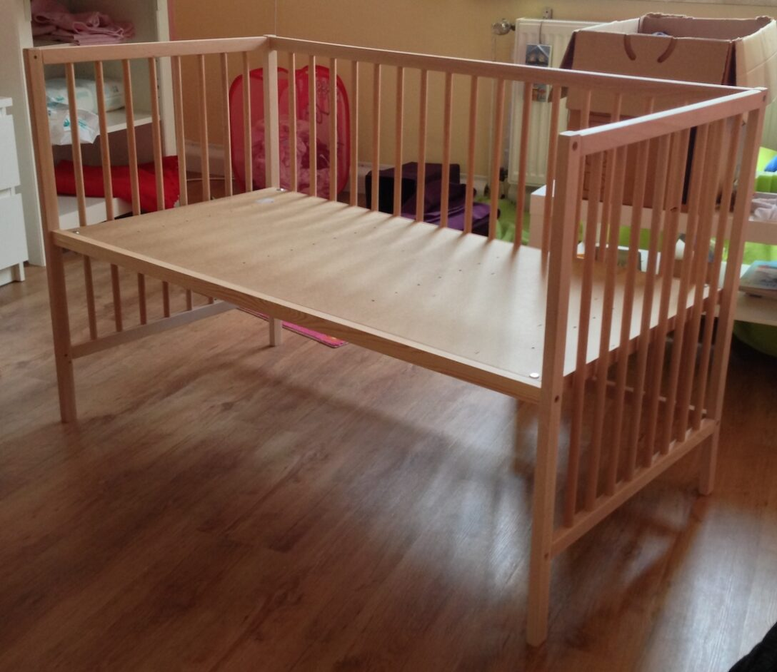 Large Size of Kinderbett Diy Rausfallschutz Bett Baldachin Haus Obi Groes Baby Beistellbett Fr 45 Bjrns Wohnzimmer Kinderbett Diy