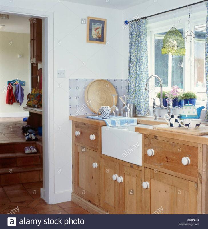 Medium Size of Küche Gardine Belfast Einsinken Ausgestattet Holz Einheit Unter Fenster Mit Blau Handtuchhalter Lampen Weiß Hochglanz Einbauküche L Form Kräutertopf Wohnzimmer Küche Gardine