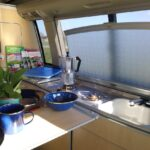 Wobi Das Faircamper Portal Wohnmobil Mieten Und Vermieten Bett Mit Ausziehbett Wohnzimmer Ausziehbett Camper