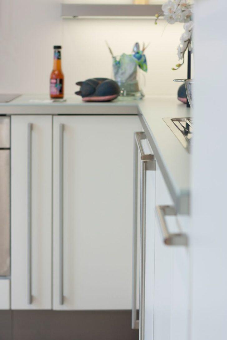 Medium Size of Küche Griffe Günstig Kaufen Niederdruck Armatur Led Deckenleuchte Werkbank Einbauküche Mit Elektrogeräten Fliesenspiegel Selber Machen Planen Industrielook Wohnzimmer Küche Griffe