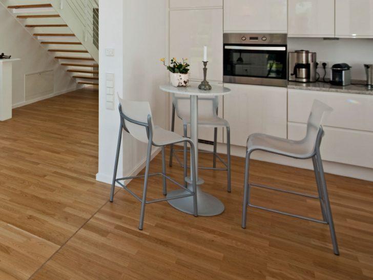 Medium Size of Der Tisch Wandtattoos Küche Deckenlampe Laminat Für Klapptisch Mischbatterie Wasserhahn Led Panel Ebay Finanzieren L Form Mit Tresen Elektrogeräten Wohnzimmer Küche Beistelltisch