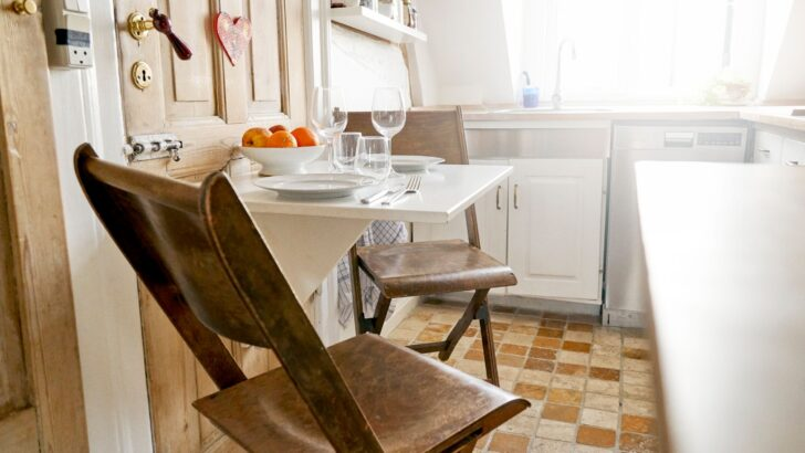 Dachgeschosswohnung Einrichten Stauraum Schaffen 4 Ideen Fr Kleine Wohnungen Küche Badezimmer Wohnzimmer Dachgeschosswohnung Einrichten