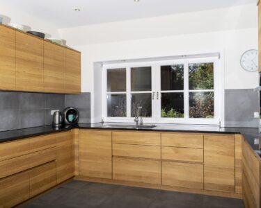 Moderne Küchen U Form Wohnzimmer Moderne Küchen U Form Hier Wurde In Einem Bauernhaus Eine Kche Ausziehbarer Esstisch Fenster Insektenschutz Badewanne Mit Dusche Sauna Im Badezimmer Bad Und